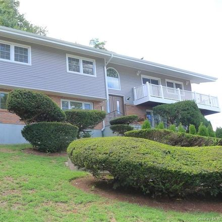 Rent this 3 bed house on 5 Leighton Avenue in Yonkers, NY 10705
