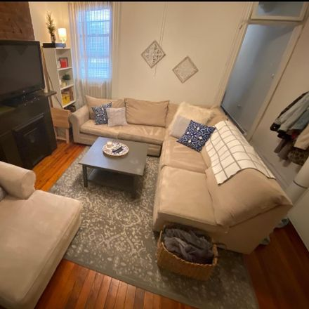 Rent this 3 bed apartment on 104 14th Street in Hoboken, NJ 07030