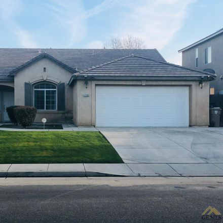 Rent this 4 bed house on Vista del Luna Drive in Bakersfield, CA