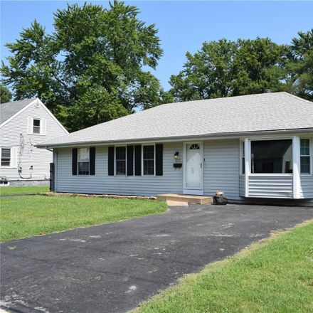 Rent this 3 bed house on 575 Saint Marie Street in Florissant, MO 63031
