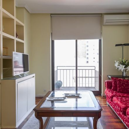 Rent this 2 bed apartment on Calle del Príncipe de Vergara in 93, 28001 Madrid