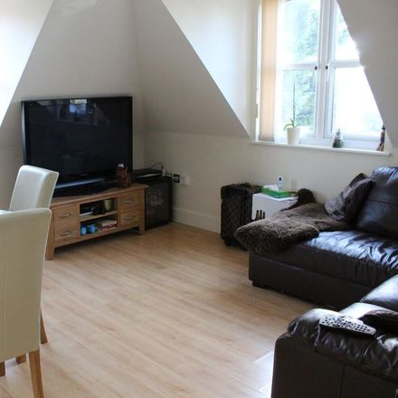 Rent this 2 bed apartment on Wessex Gate in 2 Wellington Avenue, Reading RG2 7BP
