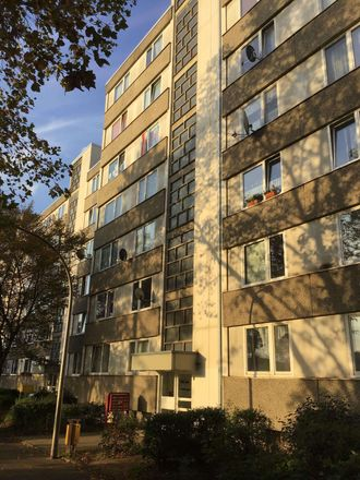 Rent this 3 bed apartment on Cologne in Roggendorf/Thenhoven, NW