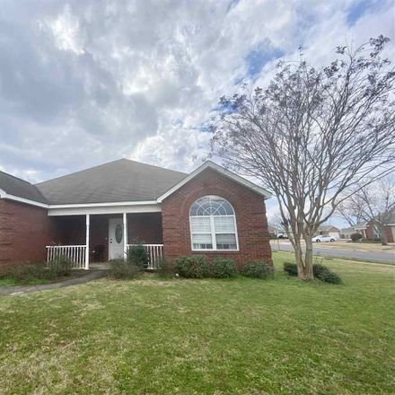 Rent this 3 bed house on 101 Alexandria Ct in Byron, GA