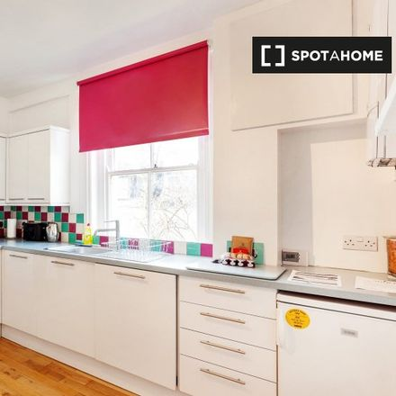 Rent this 1 bed apartment on Heber Mansions in Queen's Club Gardens, London W14 9TA