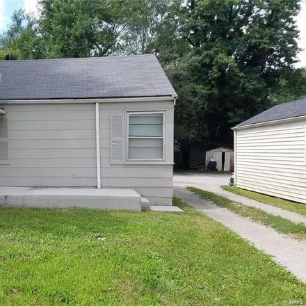 Rent this 3 bed house on 631 Ferguson Avenue in Ferguson, MO 63135