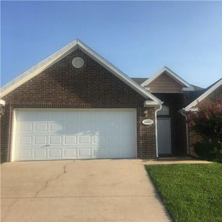 Rent this 3 bed apartment on 1284 North Cannondale Drive in Fayetteville, AR 72704