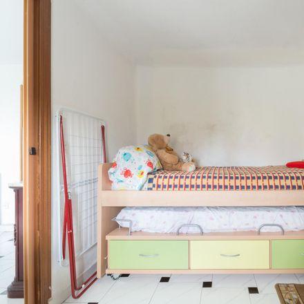 Rent this 2 bed room on Avenida de la Institución Libre de Enseñanza in 71, 28001 Madrid
