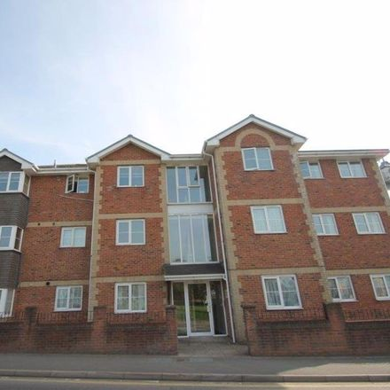 Rent this 2 bed apartment on Customers in Fairlee Road, Newport PO30 2EE
