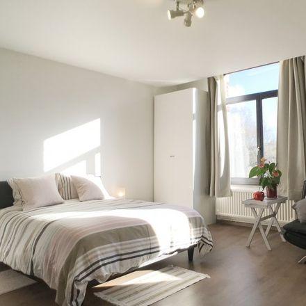 Rent this 0 bed apartment on Rue Vandenhoven - Vandenhovenstraat 88 in 1200 Woluwe-Saint-Lambert - Sint-Lambrechts-Woluwe, Belgium