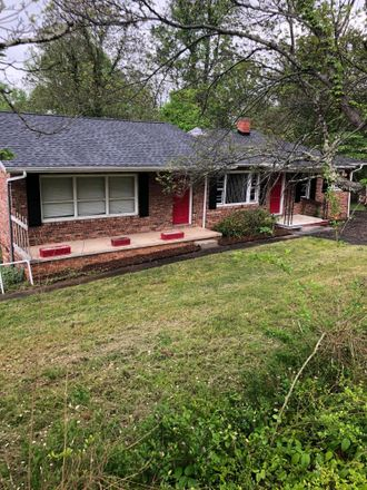Rent this 3 bed house on 901 Dennison Street in Kingsport, TN 37665