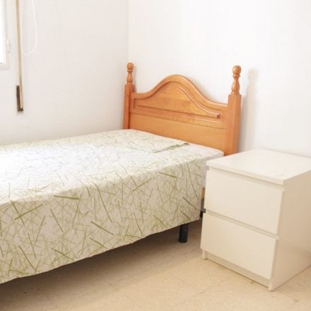 Rent this 4 bed room on Calle Guadarrama in 41018 Seville, Spain