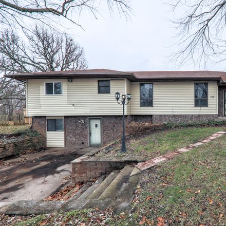 Rent this 3 bed house on 1506 South 5th Avenue in Ozark, MO 65721