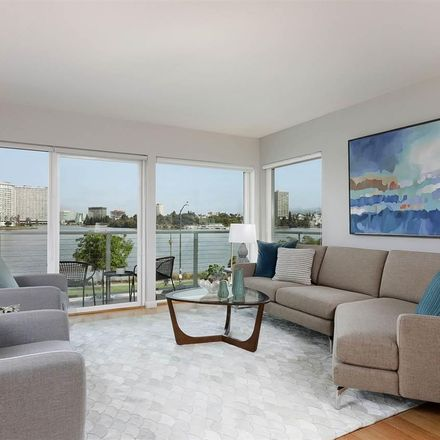 Rent this 3 bed condo on Lakeshore in Oakland, CA