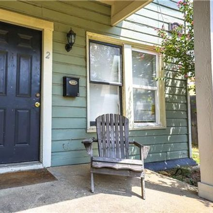 Rent this 2 bed duplex on 1216 Park Place Avenue in Fort Worth, TX 76110