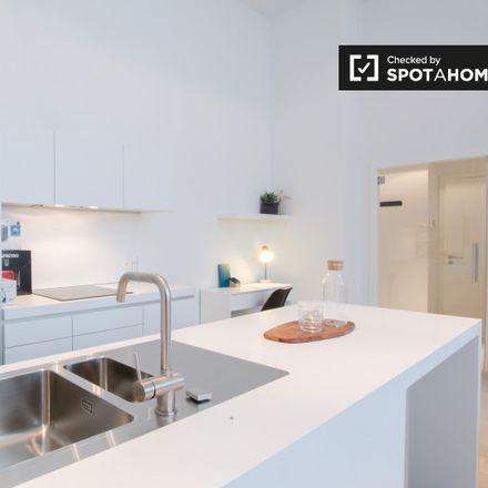 Rent this 1 bed apartment on Rue du Prince Royal - Koninklijke-Prinsstraat 20 in 1000 Ixelles - Elsene, Belgium