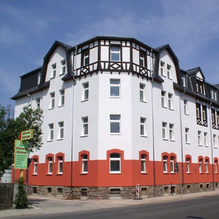 Rent this 2 bed apartment on Hohensteiner Straße 82 in 09212 Limbach-Oberfrohna, Germany