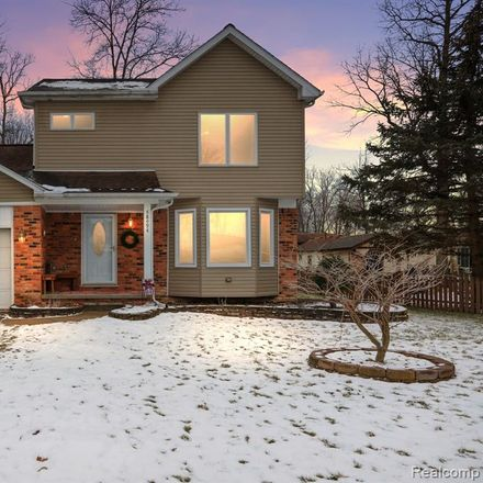 Rent this 3 bed house on 48494 Wheatfield Street in Chesterfield Township, MI 48051
