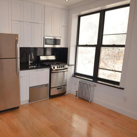 Rent this 3 bed apartment on 446 West 164th Street in New York, NY 10032