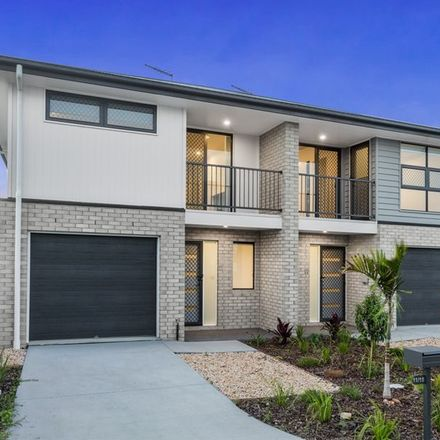 Rent this 3 bed townhouse on 10/15 Waratah Way
