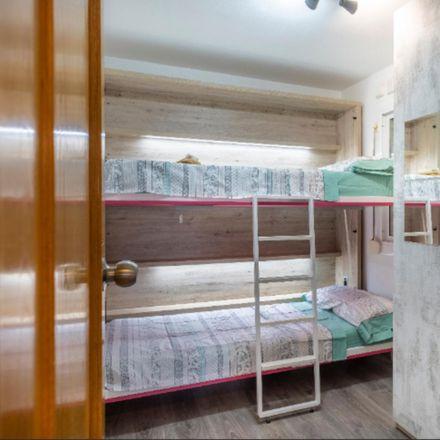 Rent this 2 bed room on carrer de Madrid in 10, 08913 Badalona