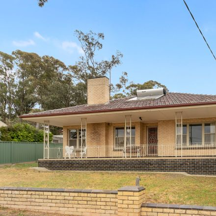 Rent this 4 bed house on 20 Drechsler Street
