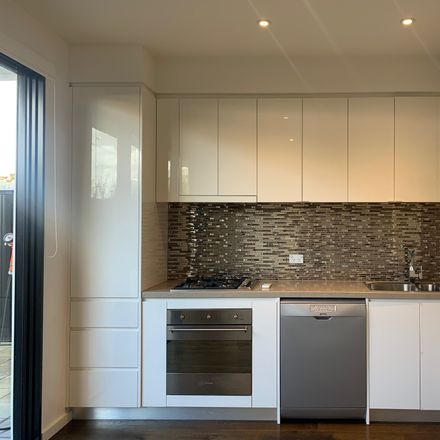 Rent this 2 bed apartment on 10/121 Murrumbeena Road