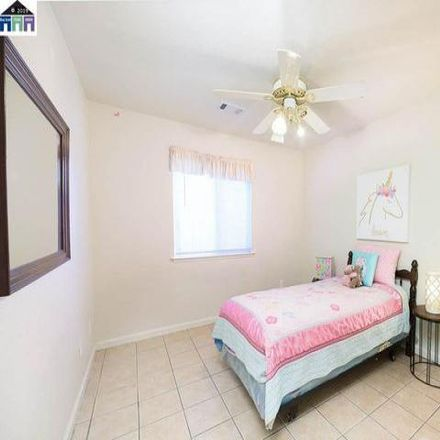 Rent this 3 bed house on Chinook Court in Antioch, CA 94531