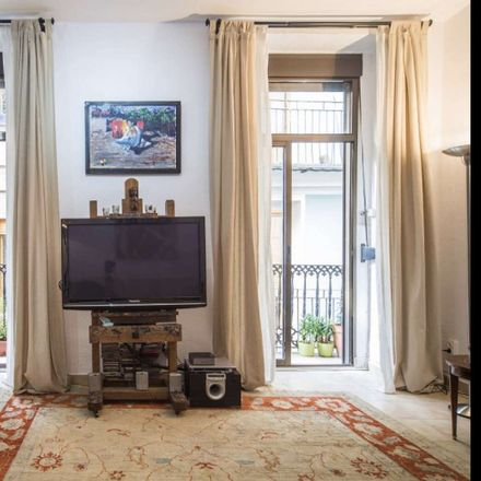 Rent this 2 bed room on Plaça dels Porxets