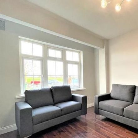 Rent this 3 bed house on #2666 Cliffden Drive in Raheen Park, Ballyfermot