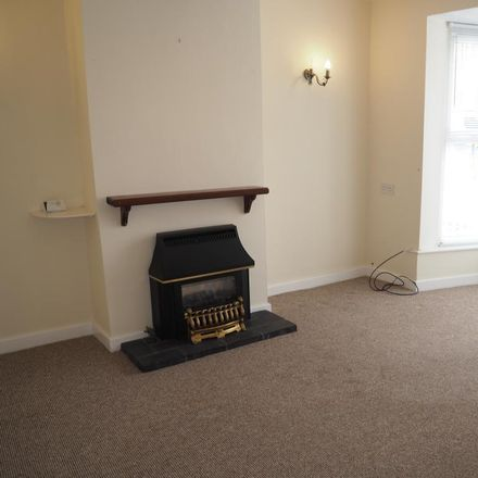 Rent this 2 bed house on Studio Craftique in Grovehill, Hessle HU13 0RT