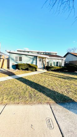 Rent this 3 bed house on 10249 South 52nd Avenue in Oak Lawn, IL 60453