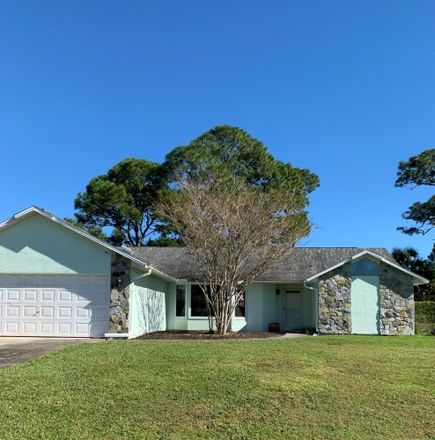 Rent this 3 bed apartment on Isar Ave NW in Palm Bay, FL