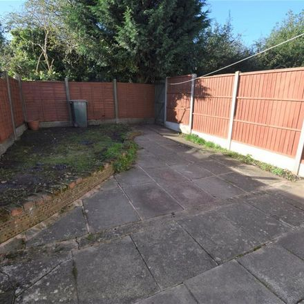 Rent this 3 bed apartment on The Glade in Coventry, CV5 7LF