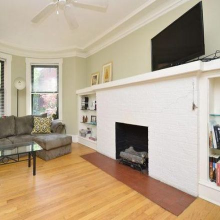 Rent this 2 bed condo on 826-836 West Lakeside Place in Chicago, IL 60640