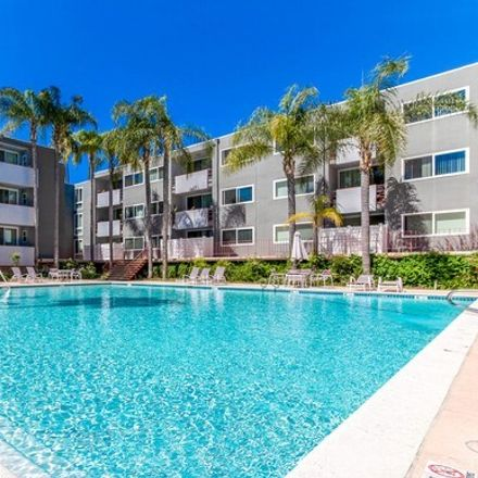 Rent this 2 bed condo on 4915 Tyrone Avenue in Los Angeles, CA 91423