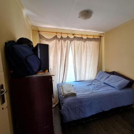 Rent this 3 bed townhouse on 621 Karel Trichardt Avenue in Mountain View, Pretoria
