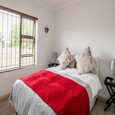 Rent this 5 bed house on Sonzicht Close in Cape Town Ward 8, Brackenfell