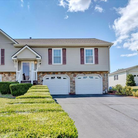 Rent this 3 bed house on 1919 High Crest Court in Colonial Trail, Roanoke County