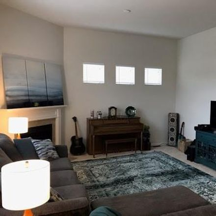 Rent this 5 bed loft on Fantail Ct in Rochester, MI