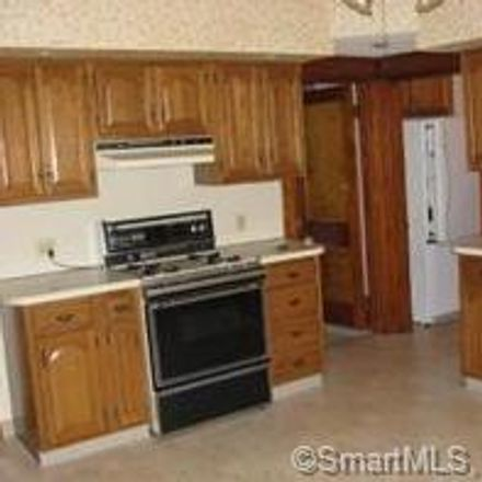 Rent this 2 bed townhouse on 106 Greenmount Terrace in Waterbury, CT 06708