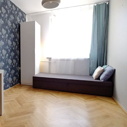 Rent this 4 bed room on Syreny 9 in 01-132 Warsaw, Poland