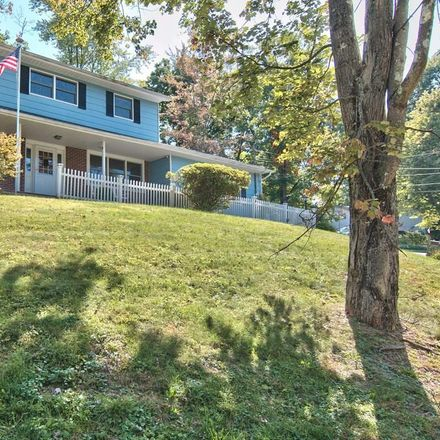 Rent this 4 bed house on 2 Hillside Court in East Stroudsburg, PA 18301