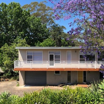 Rent this 3 bed house on 17 Willow Drive