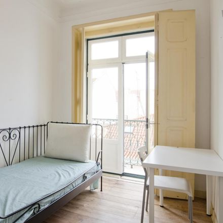 Rent this 3 bed room on Beco do Rosendo in 1100-319 Santa Maria Maior, Portugal