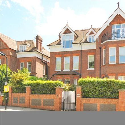 Rent this 3 bed apartment on Brabourne House in 63 Frognal, London NW3 6XD