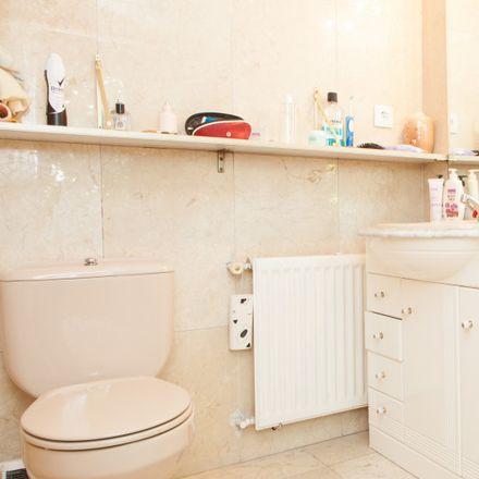 Rent this 3 bed apartment on Estanque de las Tortugas in Avenida Euskadi, 28701 San Sebastián de los Reyes