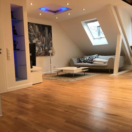 Rent this 4 bed duplex on DE