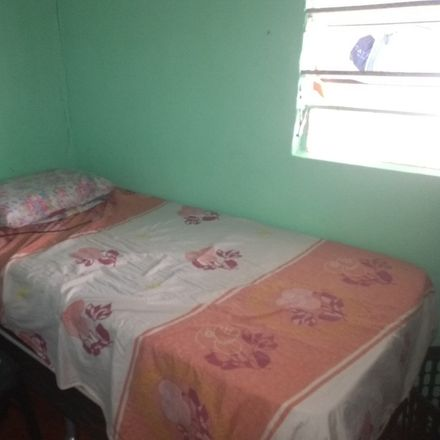 Rent this 1 bed house on Rua do Abacate in Rio Doce, Olinda - PE