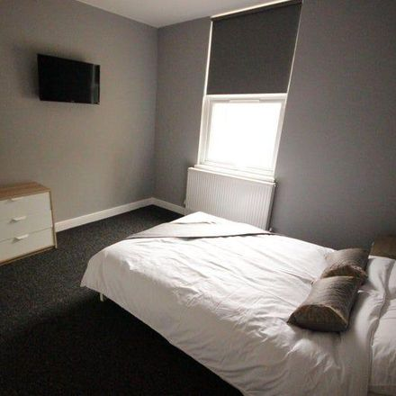 Rent this 5 bed room on Sherburn Street in Hull HU9 2LB, United Kingdom